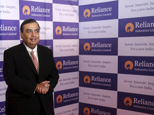 Mukesh Ambani commits to Invest Rs 2.5 Lakh Crore for Digital India, says It to be a Huge Success
