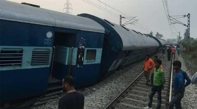 Aurangabad-Hyderabad passenger train derailed in Karnataka; no casualty reported