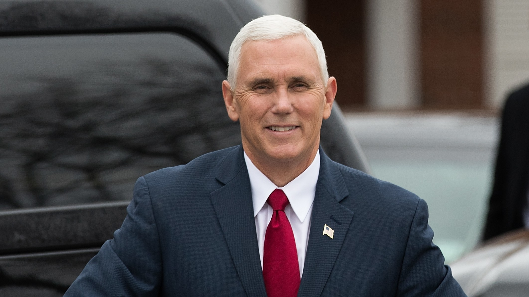 Pence chief of staff to leave voluntarily