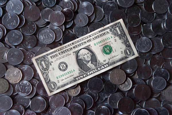 Rupee Drops By 11 Paise Against US Dollar In Early Trade
