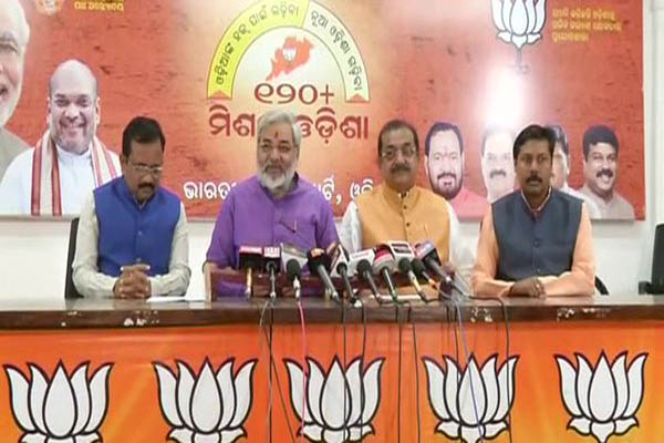 BJP workers vandalise residence of Patnaik's private secretary