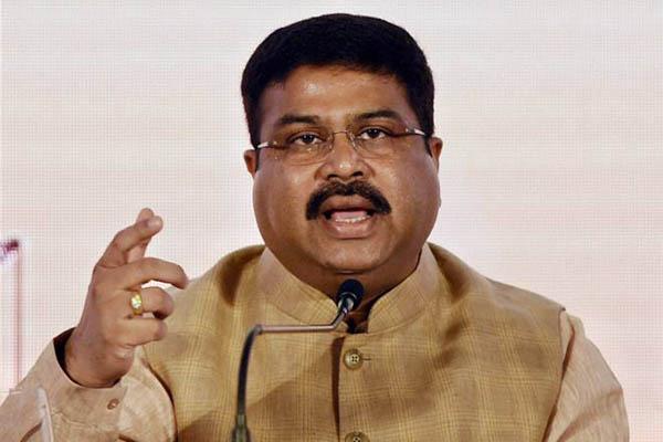 Pradhan urges Odisha CM to implement NDHM, Ayushman Bharat