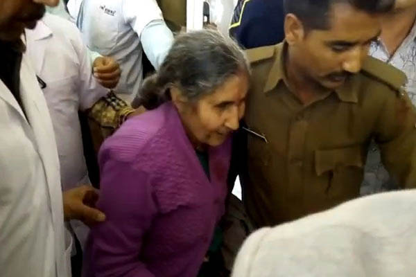 PM Narendra Modi's wife Jashodaben injured in road accident in Rajasthan