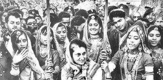 Remember her as beloved grandma: Rahul on Indira