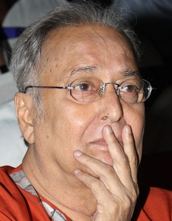 Kolkata, Nov 15 (IANS) Veteran Bengali actor Soumitra Chatterjee passed away on Sunday and the medical board at the Kolkata hospital where he was for over a month announced the news. He was 85.