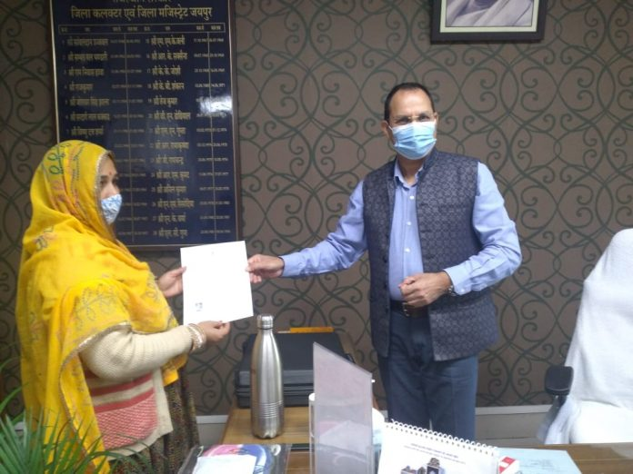 7 Pakistani migrants granted Indian citizenship in Rajasthan