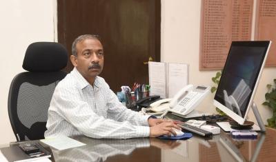 Former HRD Secretary Khare appointed advisor in PMO